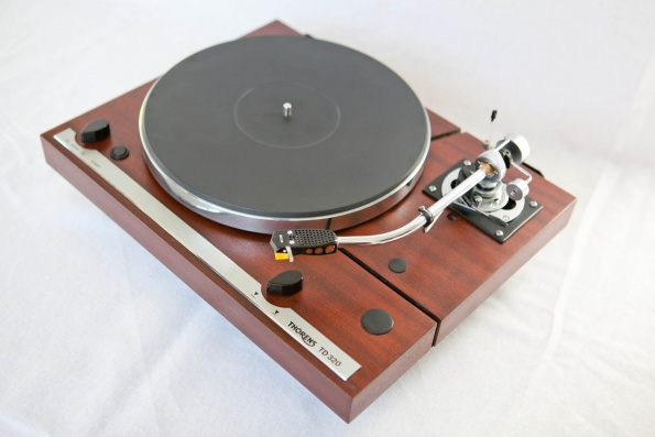 Belt drive turntable repair