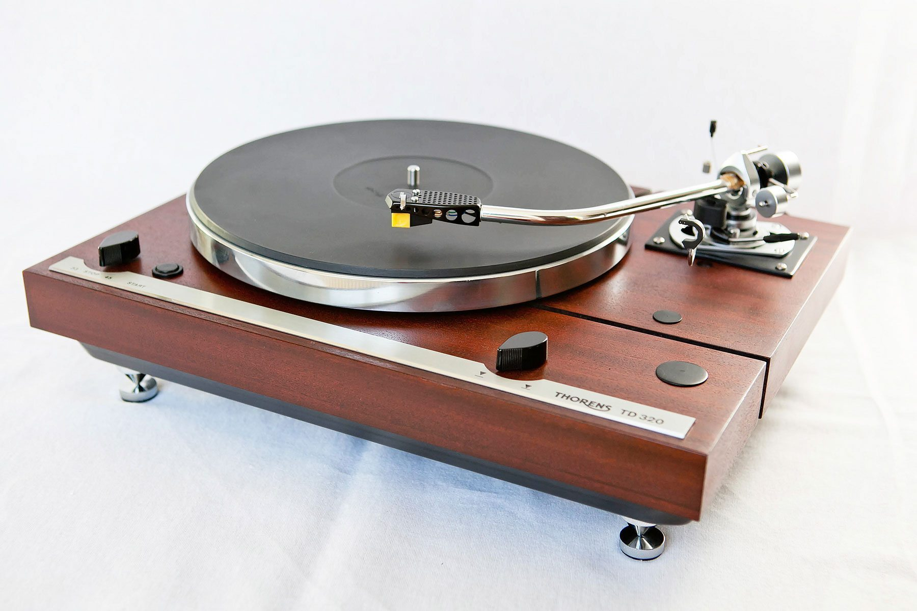 thorens td 320 with sme 3009 tonearm monoment vintage. Black Bedroom Furniture Sets. Home Design Ideas