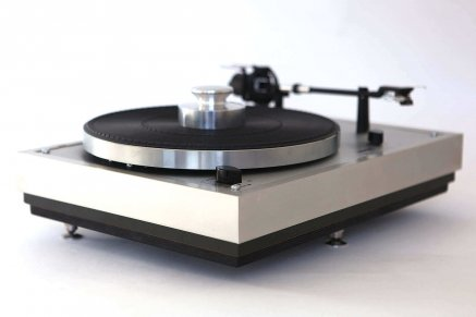 Vintage Turntables: Restoration, Upgrade and Online Store